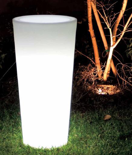 desing, vasi desing, vasi da esterno, vaso con luce, vaso che si illumina, vasi che arredano il ...
