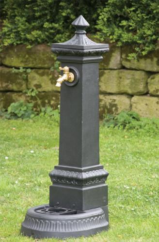 Fontane e fontanelle in ghisa da giardino terrazzi balconi for Fontanelle da esterno